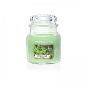 Yankee Candle Wild Mint - średnia świeca zapachowa - e-candlelove